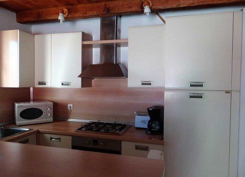 cuisine équipé dans les locations de la résidence Sant ambroggio en haute corse